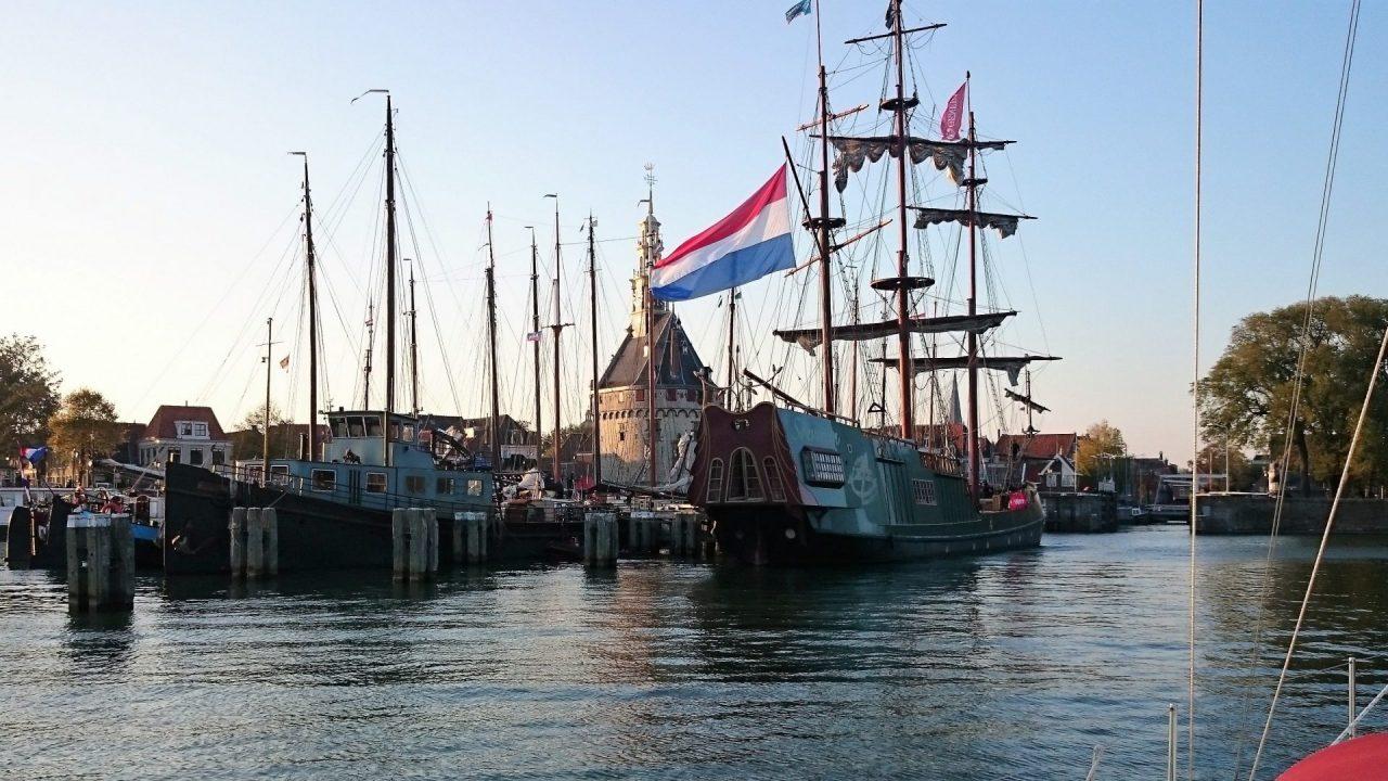 zeiljacht met schipper huren Hoorn
